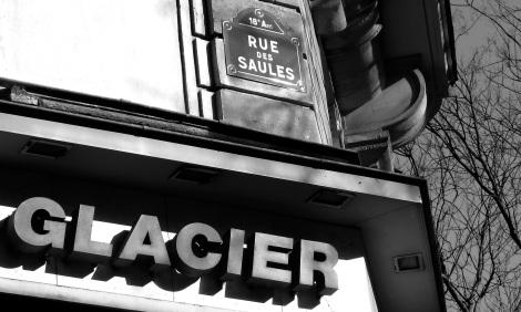 Rue des Saules, b&w