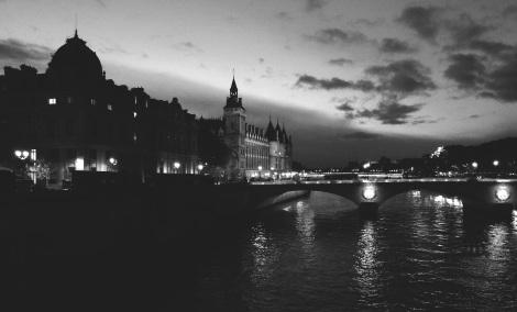 Seine river, b&w