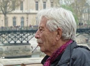 Salesman, Seine River, Paris
