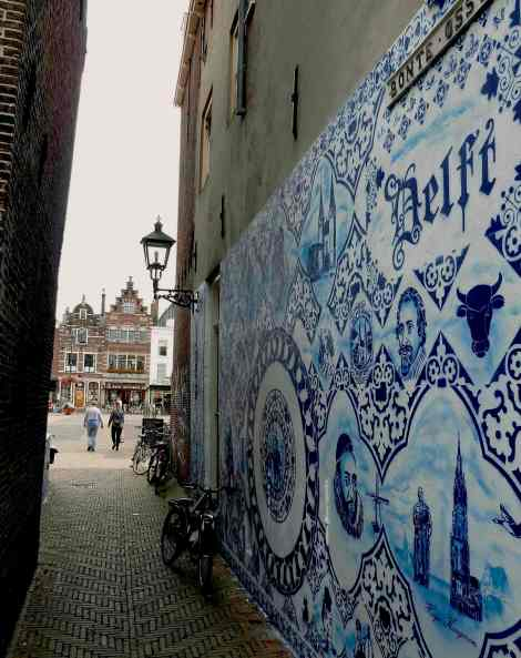 Delft, lane art