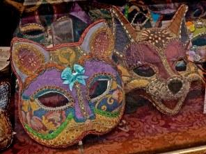 purple masks, Venice