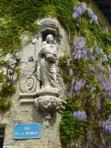 purple street corner Villeneuve les Avignon, Provence