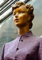 purple manequin, Paris passage