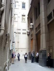Melbourne: smokers laneway