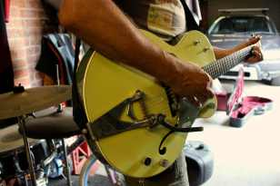 warmth- gretsch guitar