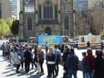 Bowie in Melbourne- queue for food trucks